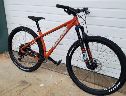 "2019 Santa Cruz Chameleon ""R"" 29 Build Medium (Demo bike)"