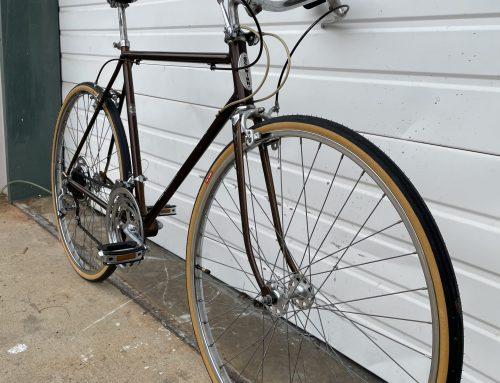 Vintage Schwinn Varsity restoration